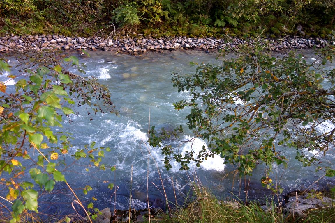 Река в посёлке Нойштифт