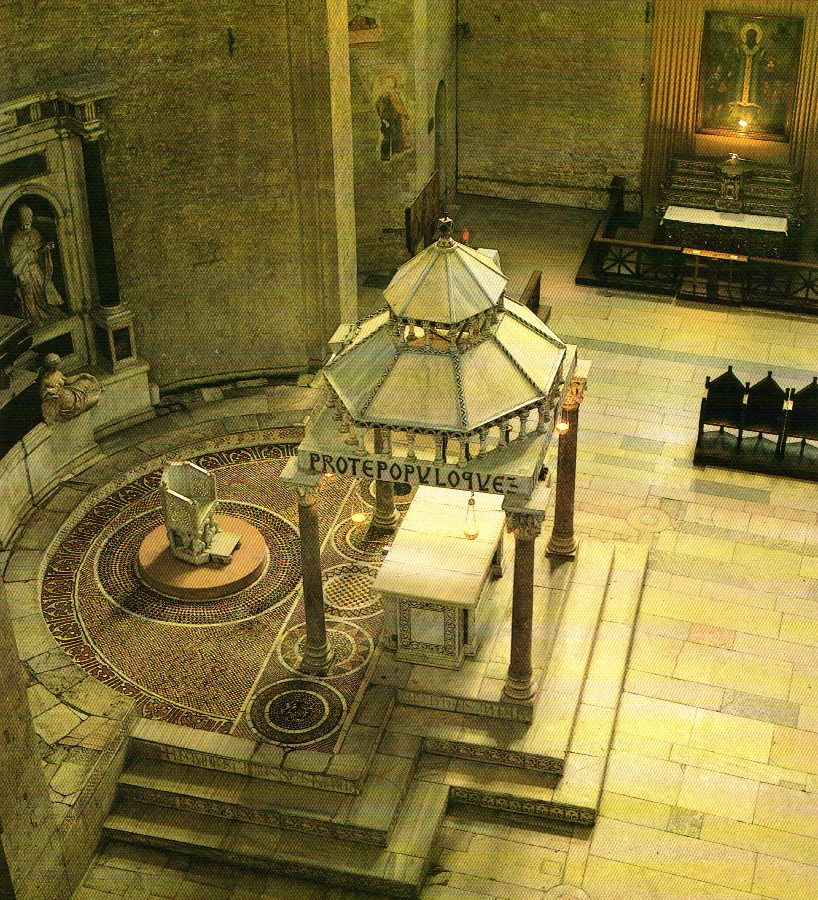Католический храм Н. Чудотворцу в Бари