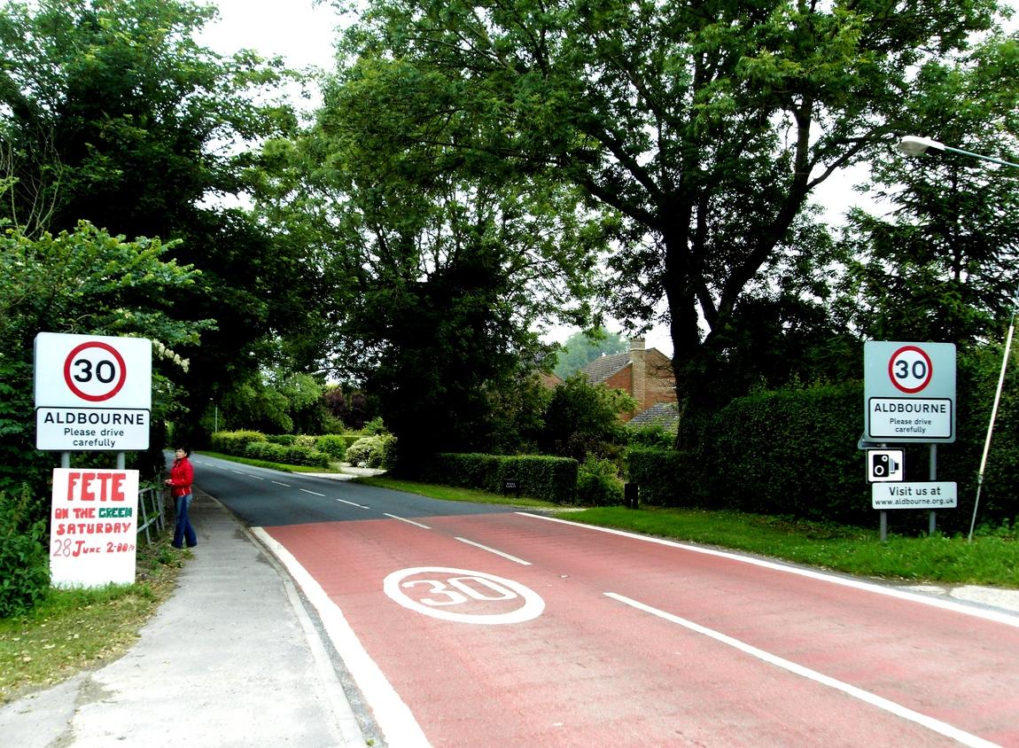 Дорога перед деревней Олбурн