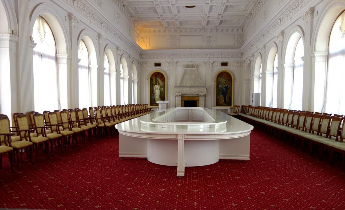 Ливадийский дворец - Белый зал