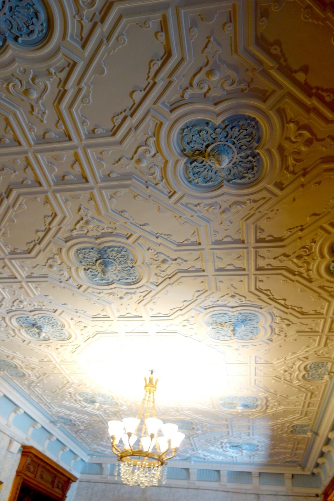 Рельефный потолок