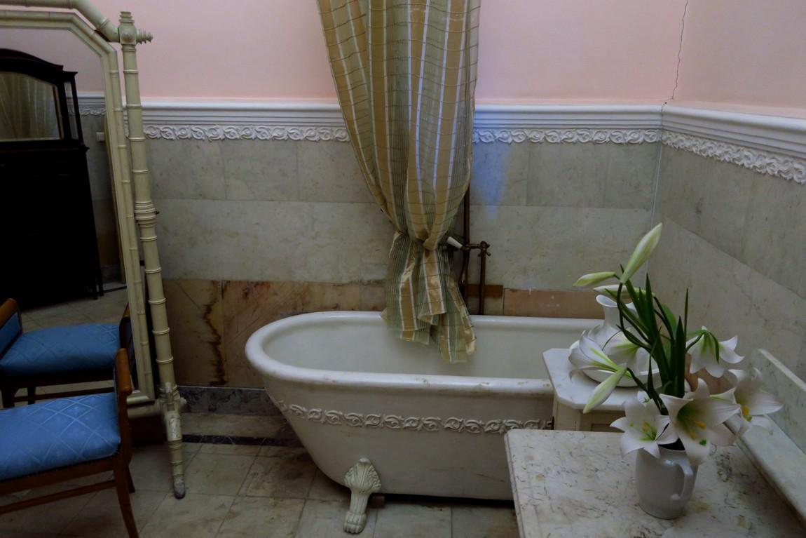 Ливадийский дворец - ванная комната