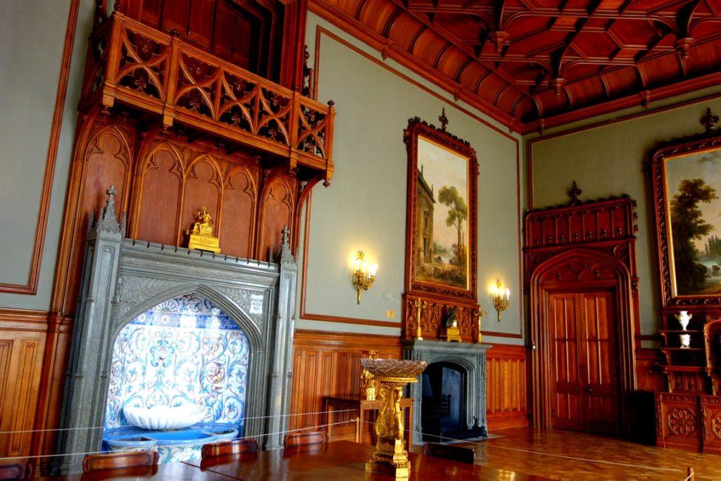 широкоугольный воронцовский дворец фото внутри замка там осталась какая-нибудь