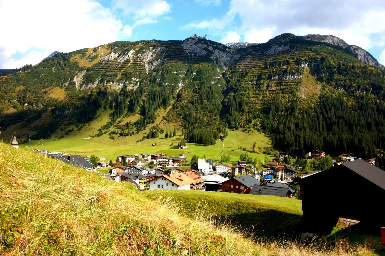 Горы Австрии в долине -п. Лех -ам-Альберг