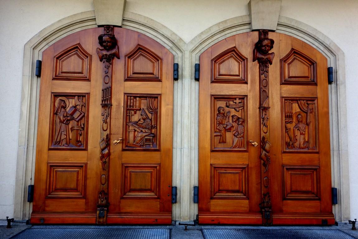 Швейцария - Санкт Галлен - двери храма