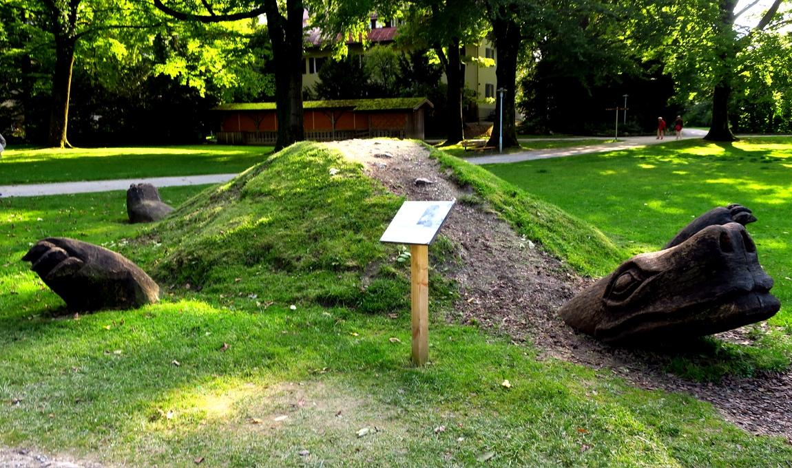 Композиция черепахи в парке Австрии