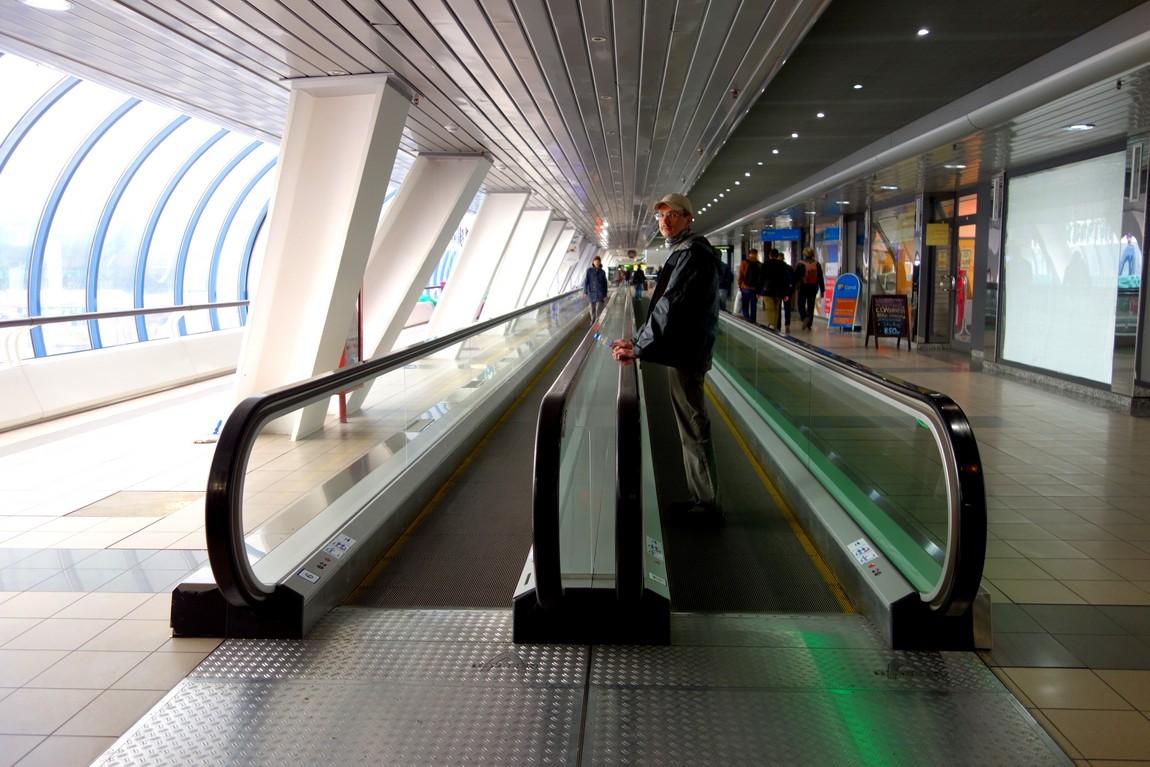 Горизонтальные эскалаторы в Москве
