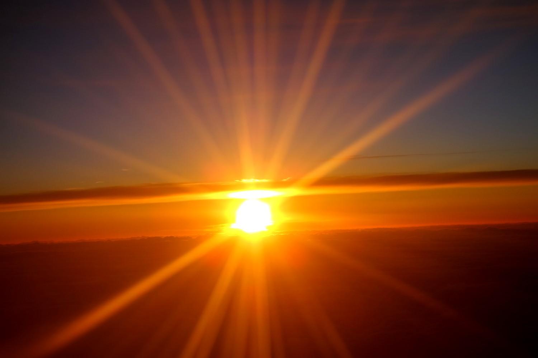Закат солнца с высоты самолёта