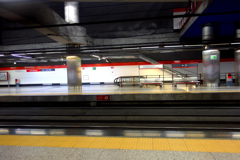Двусторонние платформы метро Мадрида