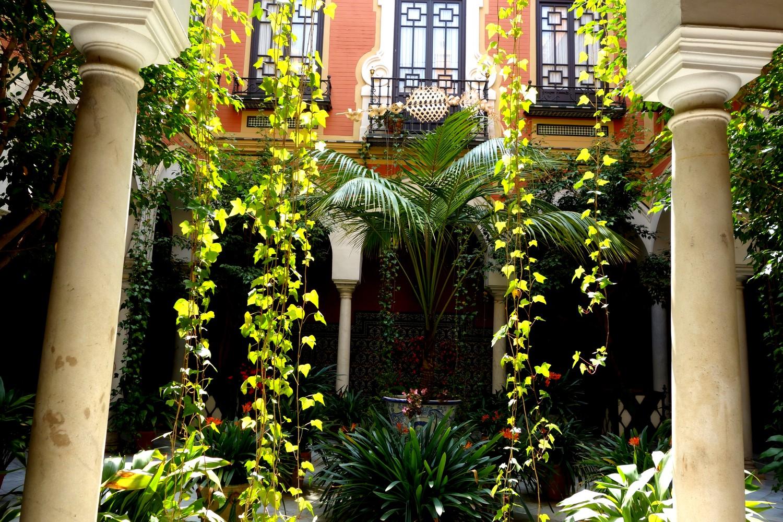 Патио в Севилье