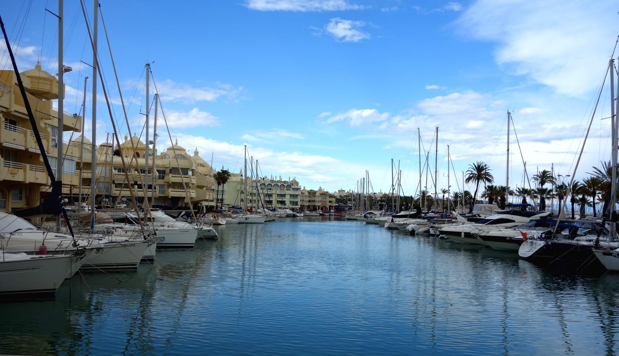 Торрмолинос (Испания) - гавань