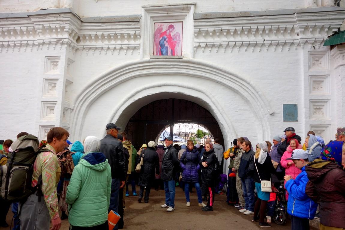 Свято-Успенского собор Трифонова монастыря - вход на территорию