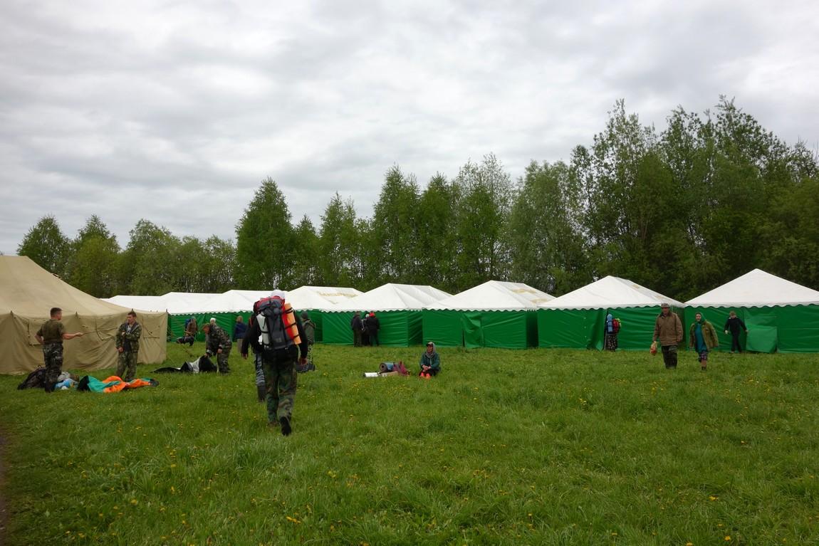 Бобино - палатки для паломников