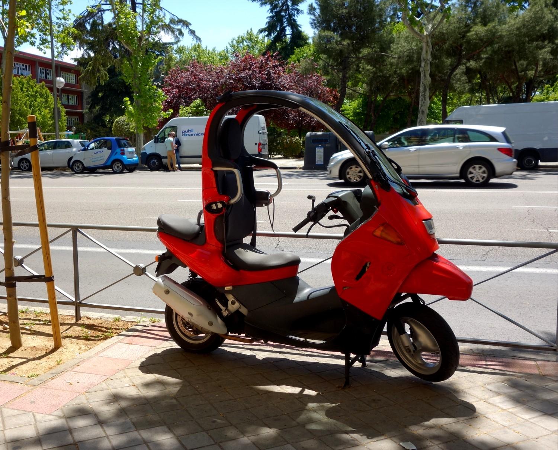 Мадрид - необычный мотоцикл