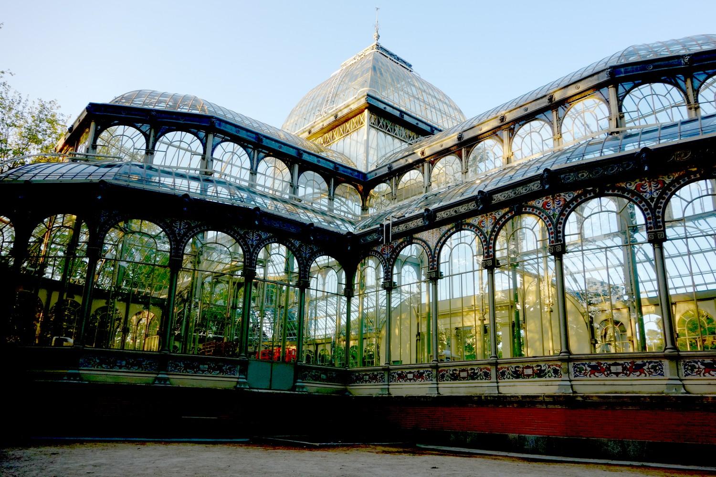 Парк Ретиро - стеклянный дворец в Мадриде