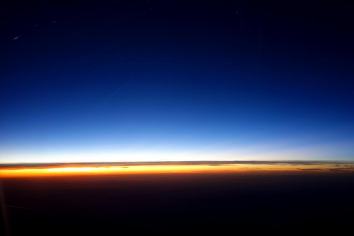 Полёт на высоте 12 000 м. - закат