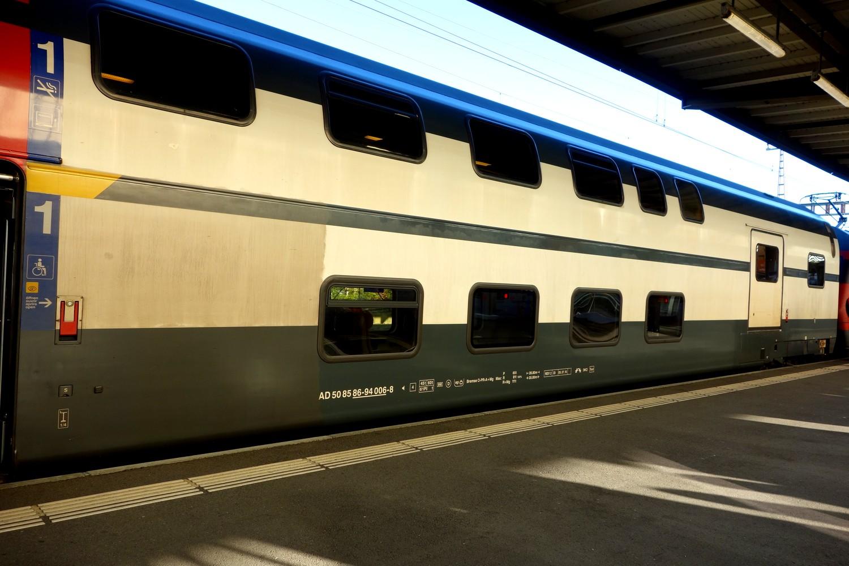 Вокзал Женевы - двухярусный поезд