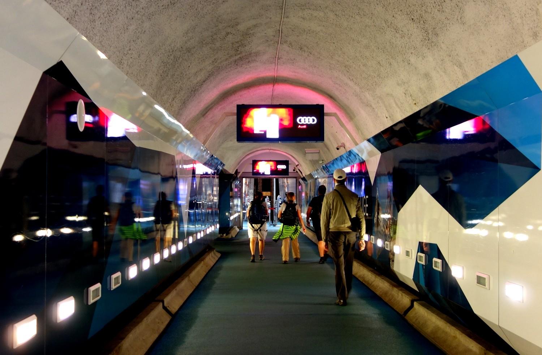 Тоннель к горному поезду в Церматте