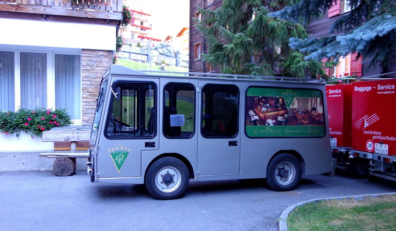 Электромобиль в Церматте - (Швейцария)