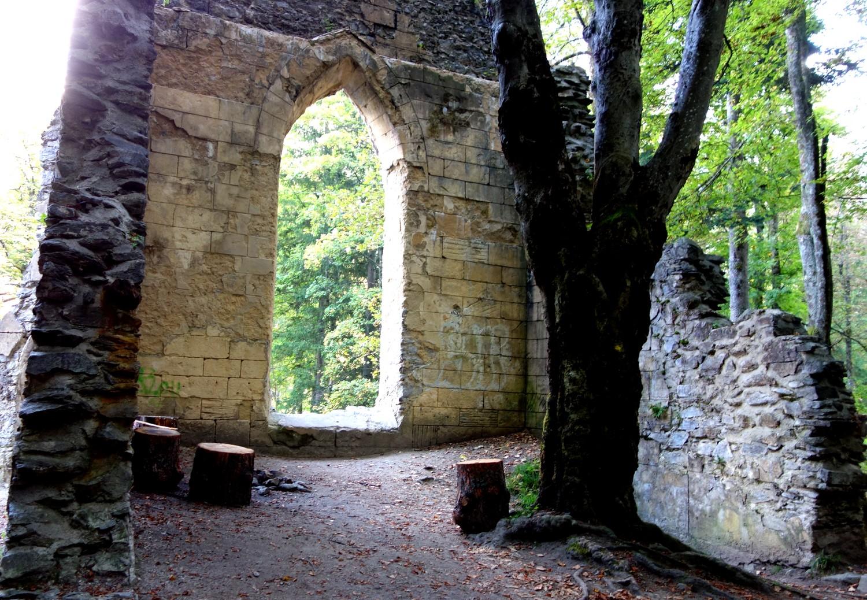 Шамони развалины замка у озера Синклер