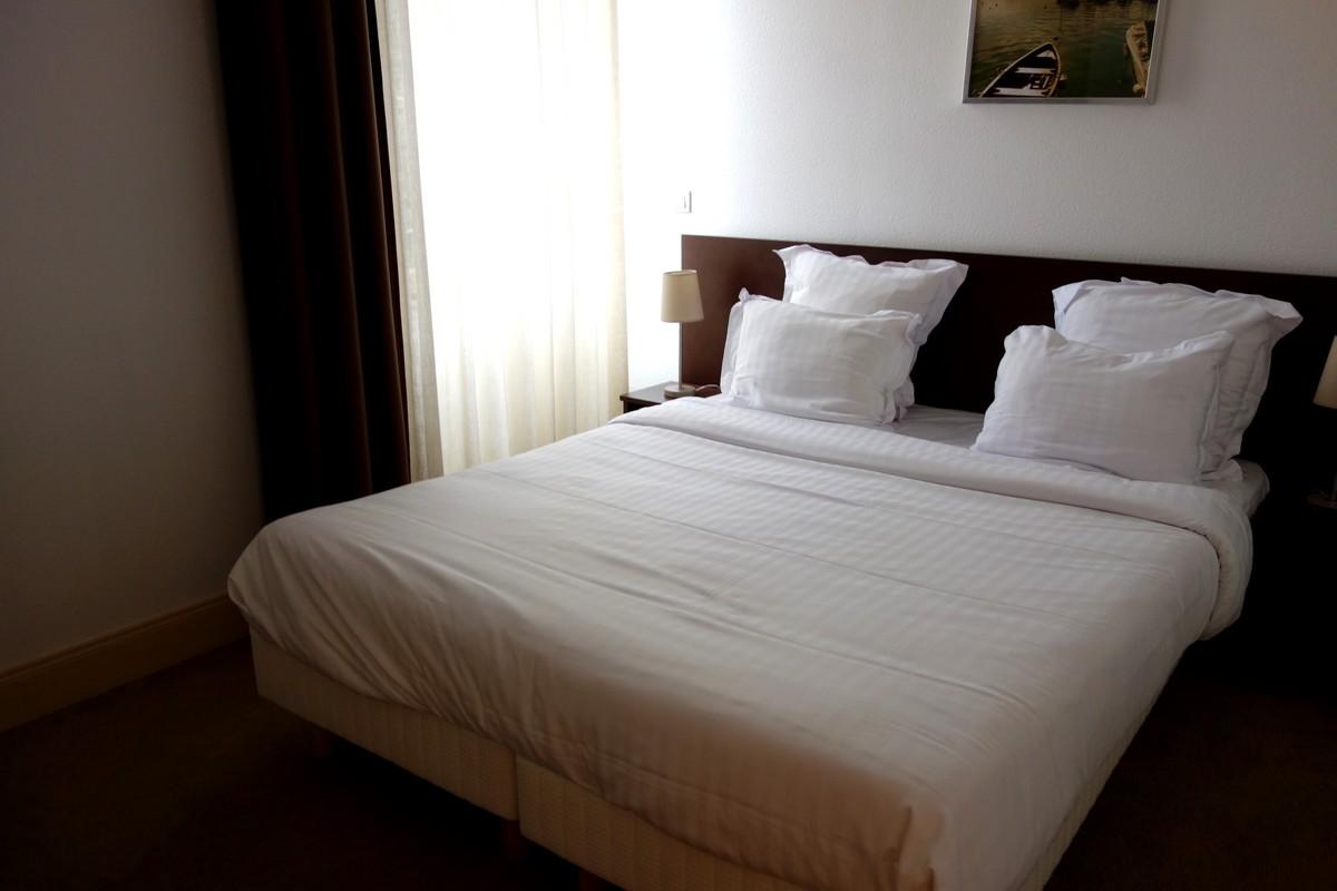 Отель Privilodges Le Royal - Apparthotel в Анси 3*