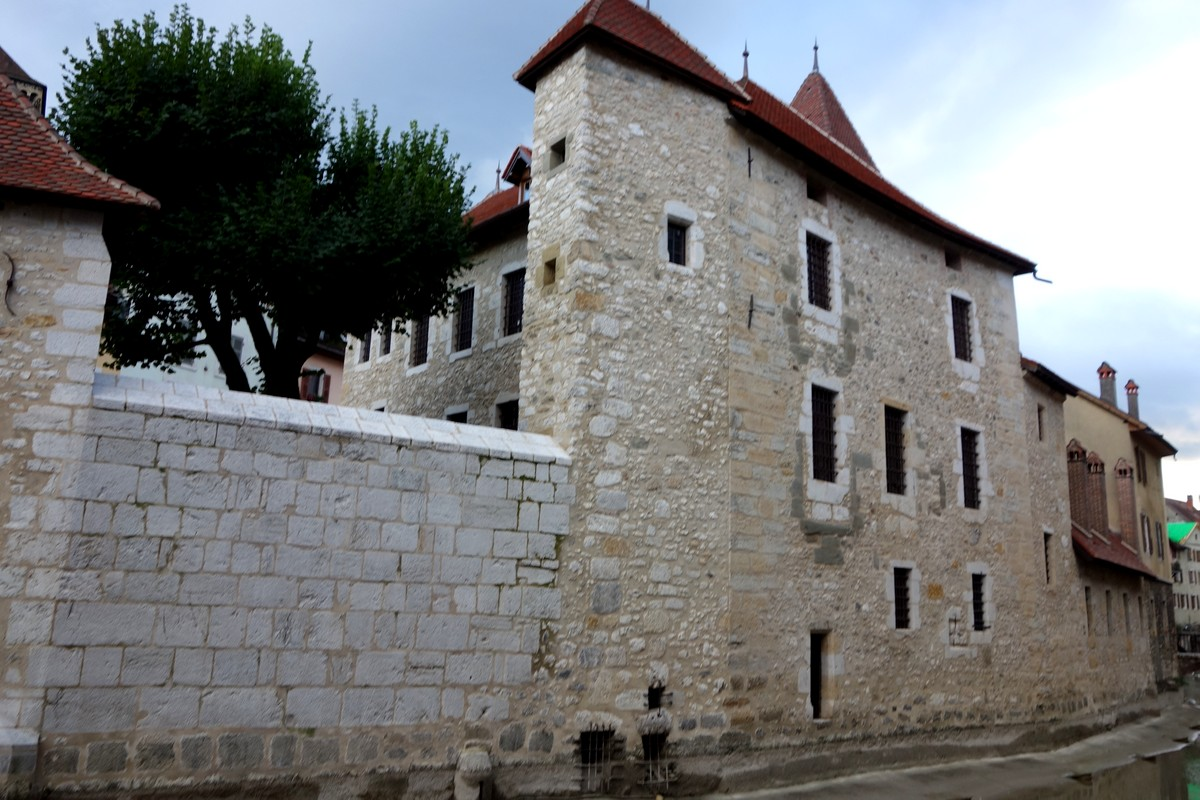 Замок де Л'Иль