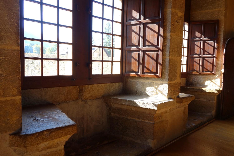 Большие окна Замка Château d'Annecy