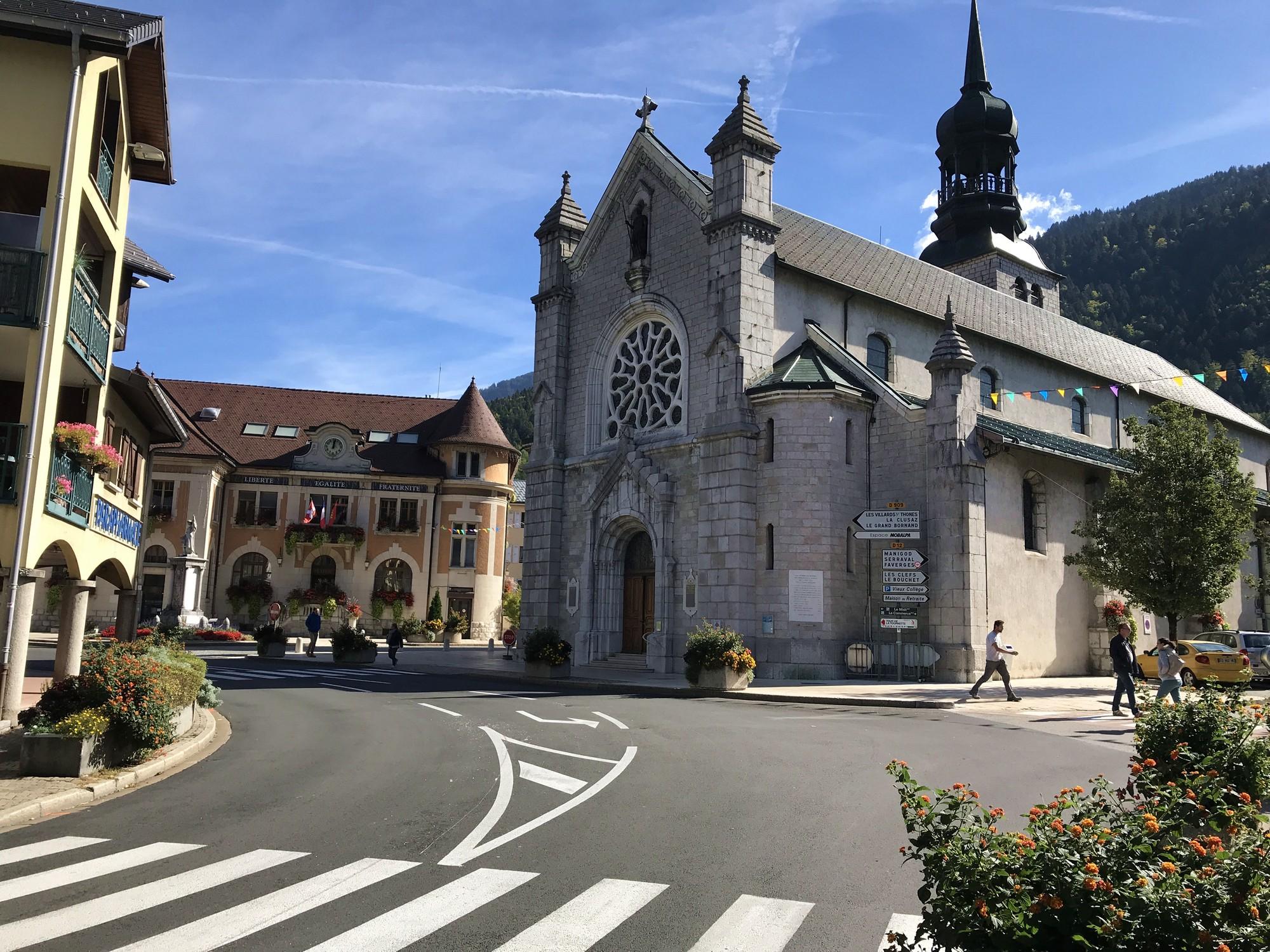 Thônes (Тонс) - Франция (церковь)